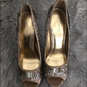 Used- Ninewest Open toes sequins and beads pumps